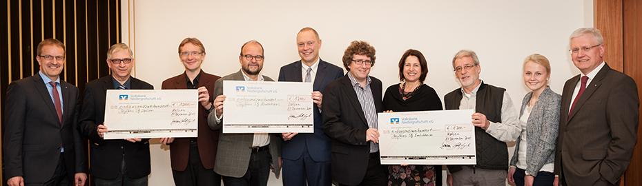 3600-Euro-Spende für Asylkreise in der  Niedergrafschaft - Volksbank Niedergrafschaft unterstützt Ehrenamt