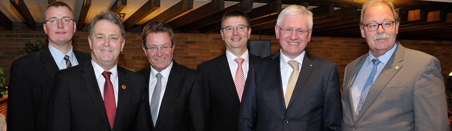 Redner Verabschiedung Jan Schüldink (zweiter von links)